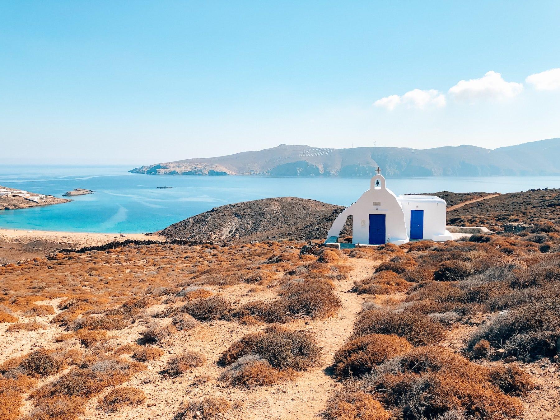 plage chapelle mykonos